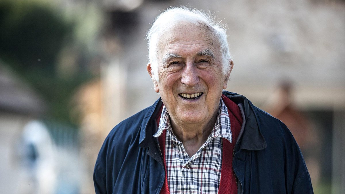 It is with great sadness that we share the news that Jean Vanier has died.   'We are not called by God to do extraordinary things, but to do ordinary things with extraordinary love.' https://www.larche.org.uk/announcing-death-of-jean-vanier…