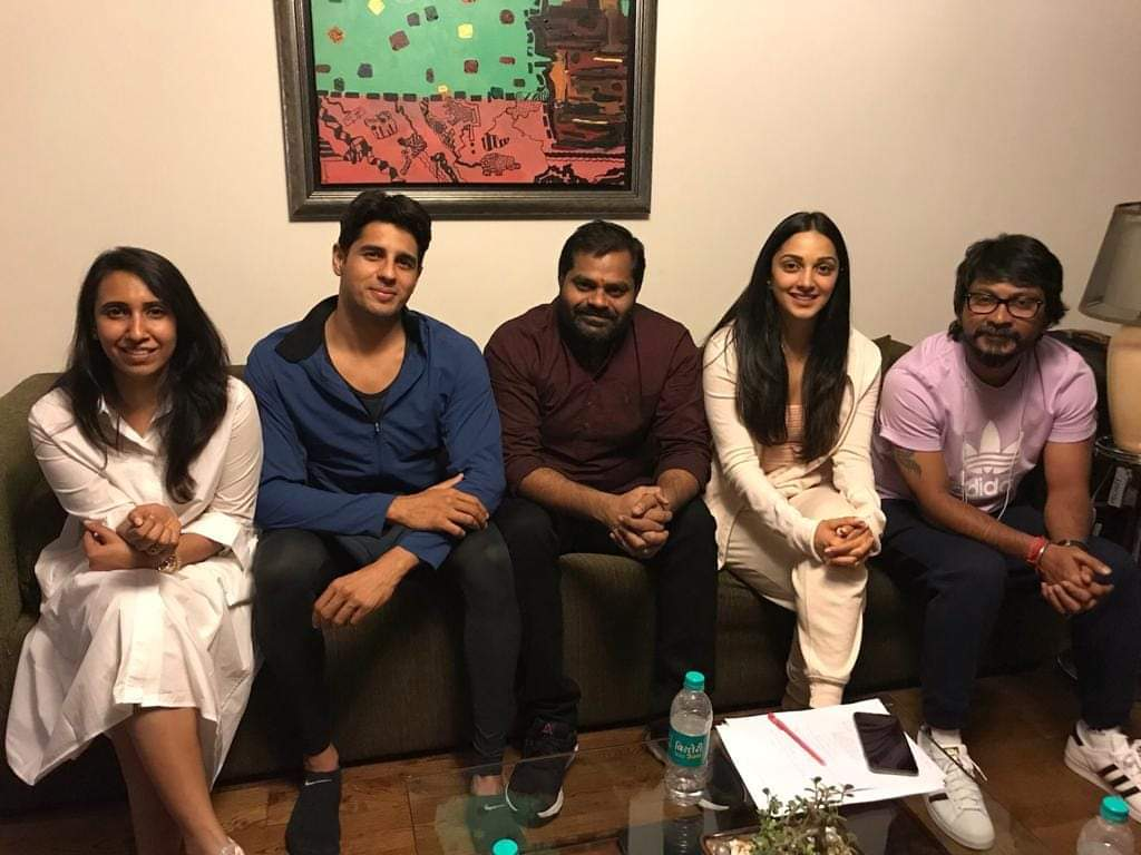New Pics : @SidMalhotra With @Advani_Kiara @vishnu_dir #SandeepShrivastava #AnuVardhan & #BaluMunnangi In Chandigarh Last Night!   #Shershaah  @Team_SidharthM