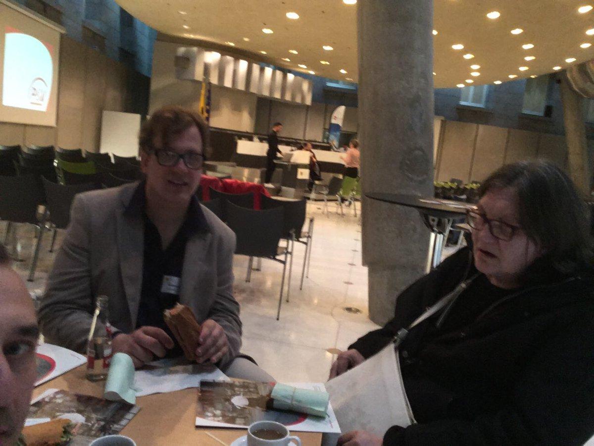 """Met Ingrid en Rudy op studiedag in Vlaams Parlement """"All about the money"""" @VFG_vzw https://www.vfg.be/activiteiten/pages/studiedag.aspx… voor hun ervaring zie https://sociaal.net/achtergrond/persoonsvolgende-financiering-gaat-niet-alleen-over-geld/… straks debat PVF met @janbertels @TinevanderVloet @verajans3620"""