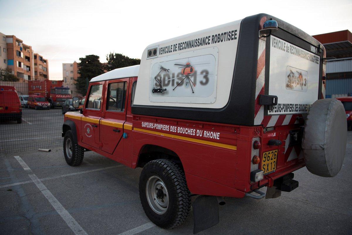 [#JournéeInternationaleDesDrones] Les #Pompiers13 s'appuient sur une technologie d'avant-garde : une « flotte » de 10 drones comptabilise une centaine d'heures de vol/an. Le but? Obtenir des images uniques et préserver la sécurité des agents. Une vraie assistance à l'opérationnel