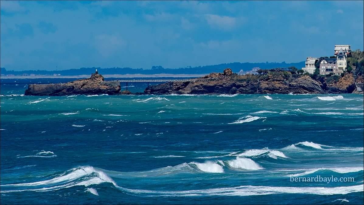Pays Basque  Biarritz  Vue depuis Ilbaritz pic.twitter.com/vAzE07rhr5