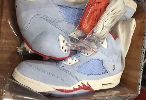 new arrival e2071 7c123 ... http   sneakerbucks.com trophy-room-x-air-jordan-5-jsp-pack-leak  …pic.twitter.com Tz9iJuAvQP. 0 replies 1 retweet 2 likes
