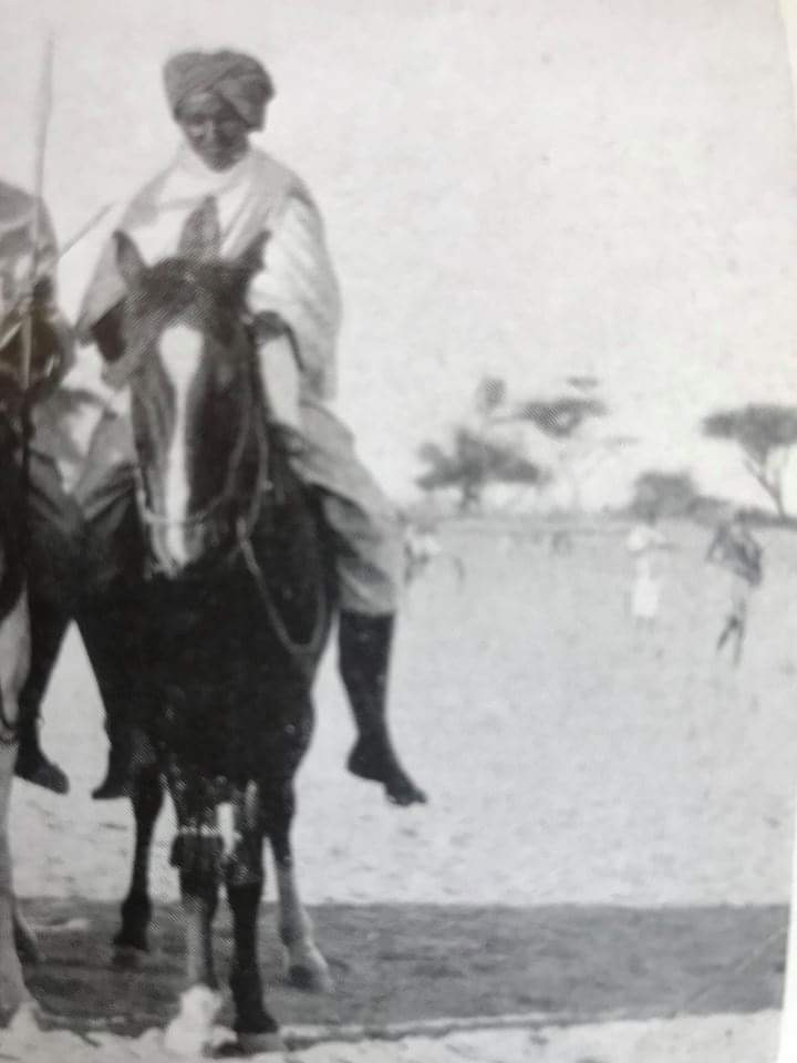 The earth trembled Stallions galloped with zeal   the Dervish warriors Denounced the world As if death was  a seductive dazzling bride!...  Not tribal-mongers  in #AMISOM camp  Only a man of principle Leaves indelible legacy So is the Holy man Sayid Maxamad... <br>http://pic.twitter.com/uv8IYvjmx8