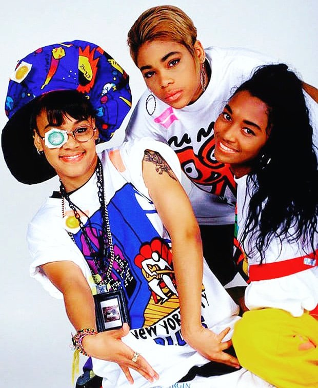 #RIPLeftEye Today in #HipHopHistory: It&#39;s been #17 years since we lost #RnB icon #LeftEye! #LisaNicoleLopes (May 27, #1971 – April 25, #2002, left) was a singer, rapper, songwriter, and producer. Through #TLC, Lopes sold millions of records and won 4 #GrammyAwards. #classichiphop<br>http://pic.twitter.com/A48VZU3N2b