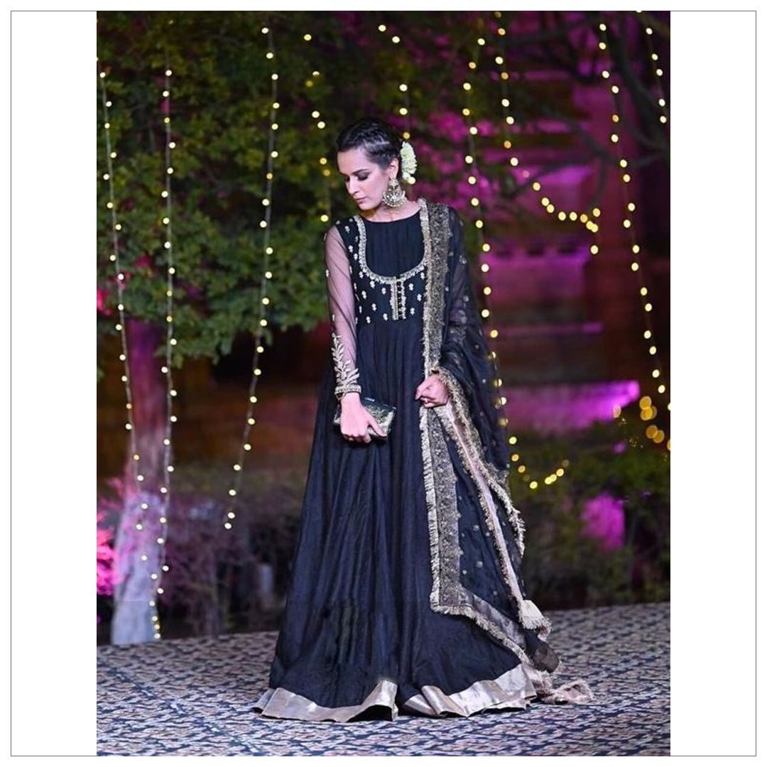 4cc1af4397 Mahraani Pishwas is perfect for all your wedding festivities coming ahead.  #FaizaSaqlain #clientdiaries #styleperfect #pishwas #traditionalwear ...