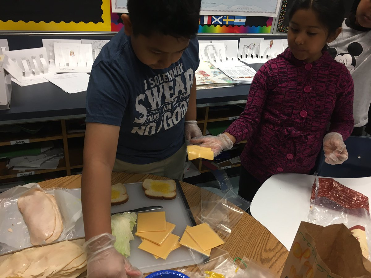 3rd graders started the morning making lunches for <a target='_blank' href='http://twitter.com/ASPANlink'>@ASPANlink</a>! 🥪<a target='_blank' href='http://search.twitter.com/search?q=TheCampbellWay'><a target='_blank' href='https://twitter.com/hashtag/TheCampbellWay?src=hash'>#TheCampbellWay</a></a> <a target='_blank' href='http://twitter.com/CampbellAPS'>@CampbellAPS</a> <a target='_blank' href='https://t.co/Ks8YtEuY9G'>https://t.co/Ks8YtEuY9G</a>