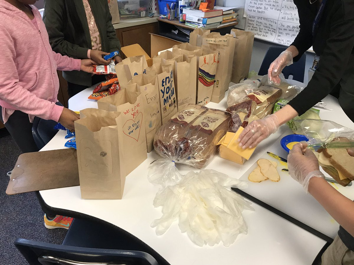 """3rd graders practicing """"I serve"""" by making sandwiches for <a target='_blank' href='http://twitter.com/ASPANlink'>@ASPANlink</a> <a target='_blank' href='https://t.co/7Qp3sGo1rY'>https://t.co/7Qp3sGo1rY</a>"""