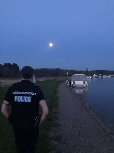 Pc Haverson walks off into the sunset on his last shift with #NRT3 , well ok its actually the moon rising over #somerleyton during their evening patrols on Easter weekend but it still looks good and it was his last shift with them. #moonrise #EasterWeekend #1330 <br>http://pic.twitter.com/BTRBCcBDRZ