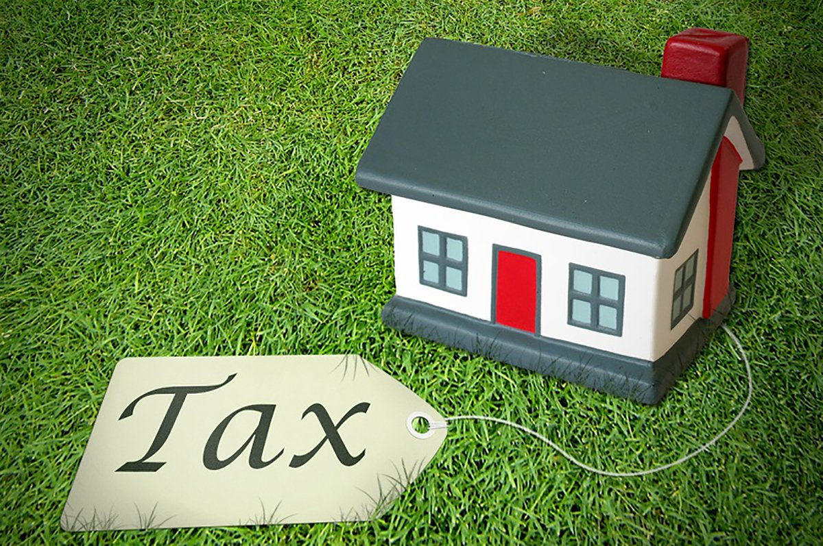 How to save on your Airbnb taxes https://bit.ly/2IF3Hdr #airbnbtaxtips #saveontaxes #airbnb #taxtips #expertadvice #taxprofessional