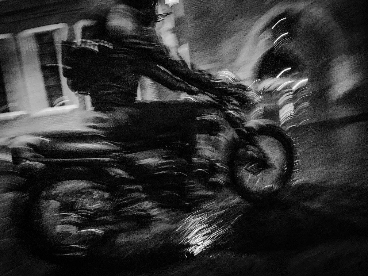 Motor  #blackandwhitephotography #streetphotography #zwolle #holland #rain #reflection #sassenpoort https://t.co/NJ4H7uhrQ7