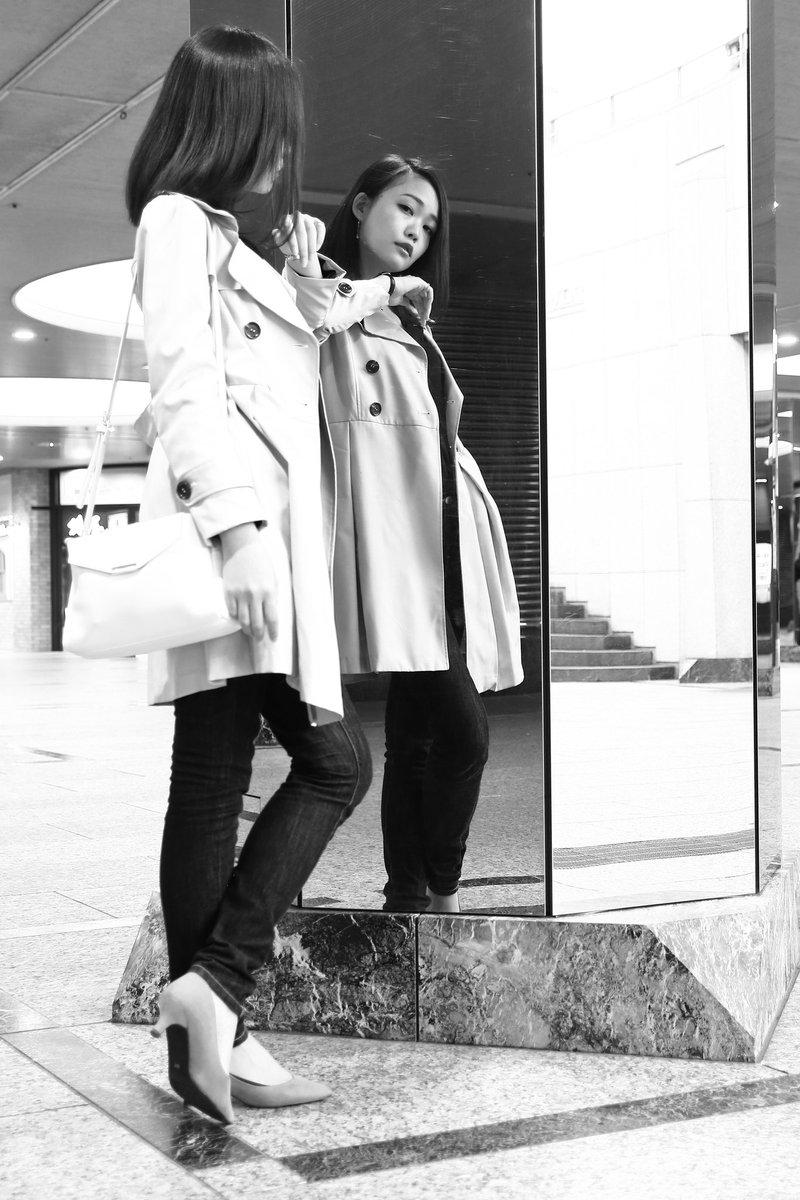 ~ Reflection #3 ~  街並みが映し出す もう一人の貴女…  @amamiya_ami  #あまみやあみ さん #いつも心にあーみんを #モノクロポートレート #reflection https://t.co/Sn459hUJGJ
