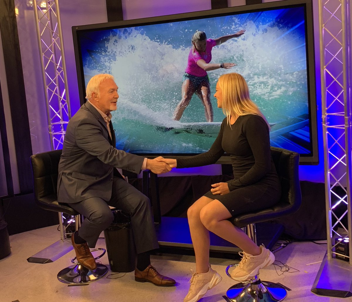 World Champion Surfer @kirrapink in the studio at 5! She is AMAZING! #surfing #socalsurfing @PPRPapaPigpic.twitter.com/zJhSt2l8yD