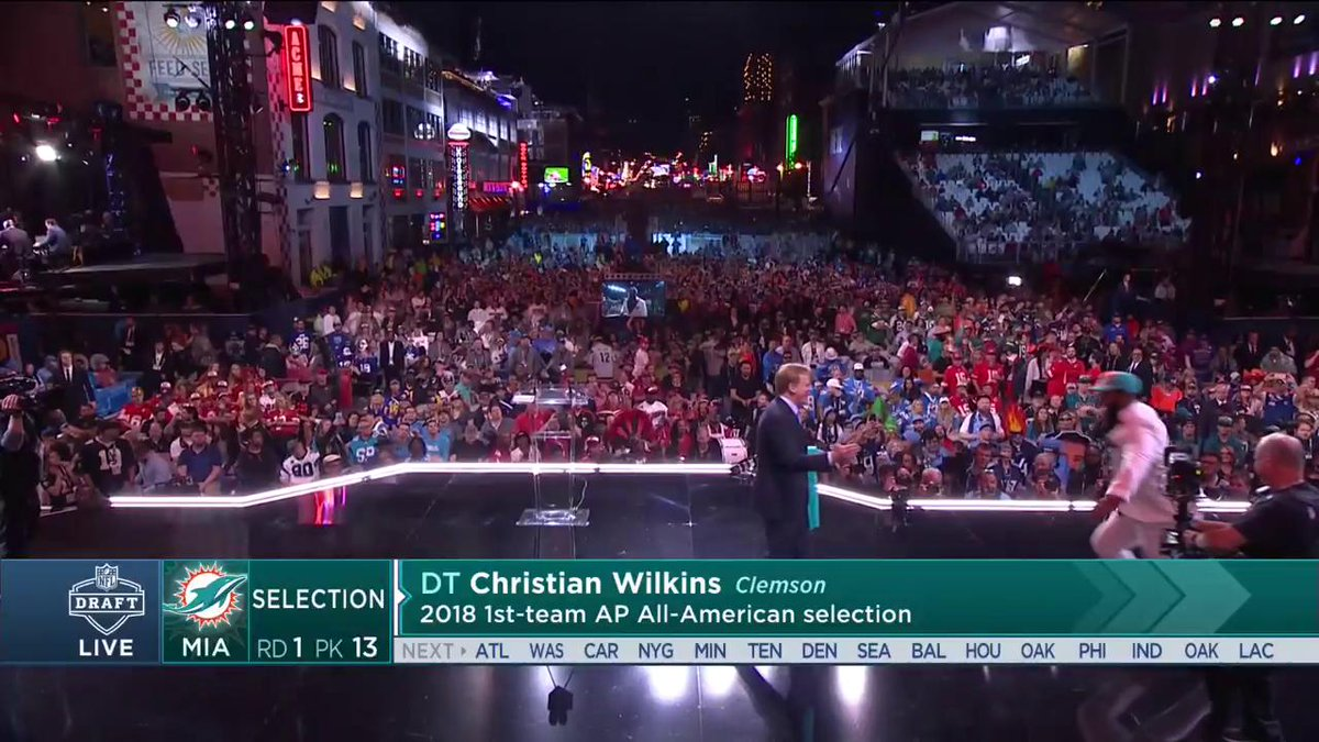 UP TOP! @cwilkins42 nearly took out @nflcommish! 😂😂😂 📺: NFLN/ESPN/ABC #NFLDraft