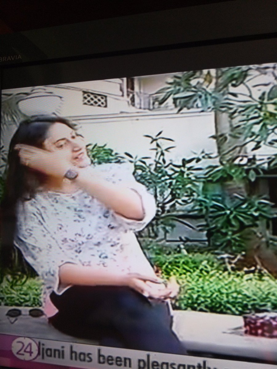 Surbhi  Sorry for the bad quality  She is so happy  #SurbhiChandna #2mSCInstaFamily <br>http://pic.twitter.com/jM5pEPMEoz