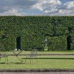 Image for the Tweet beginning: Nadčasové tvary venkovních židlí RONDA
