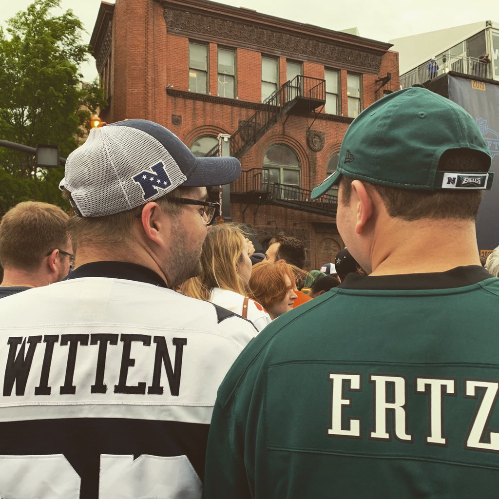 Can a Cowboys fan and an Eagles fan be best friends? #yep #onlyinnashville #nfldraft #2019 @PhillyPhan587 @ibleedblue2122 https://t.co/564VoOmrA8