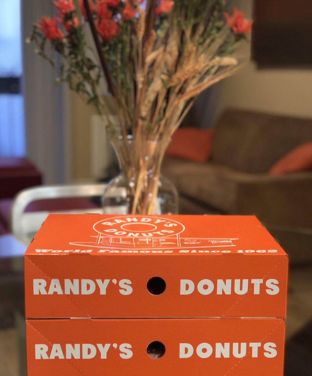 34e50a7b730b  donutlove  donuts  foodpics  foodie  eatingfortheinsta  foodgasm  nom   nomnom  dailyfoodfeed  foodphotography  eeeeeats  onthetable ...