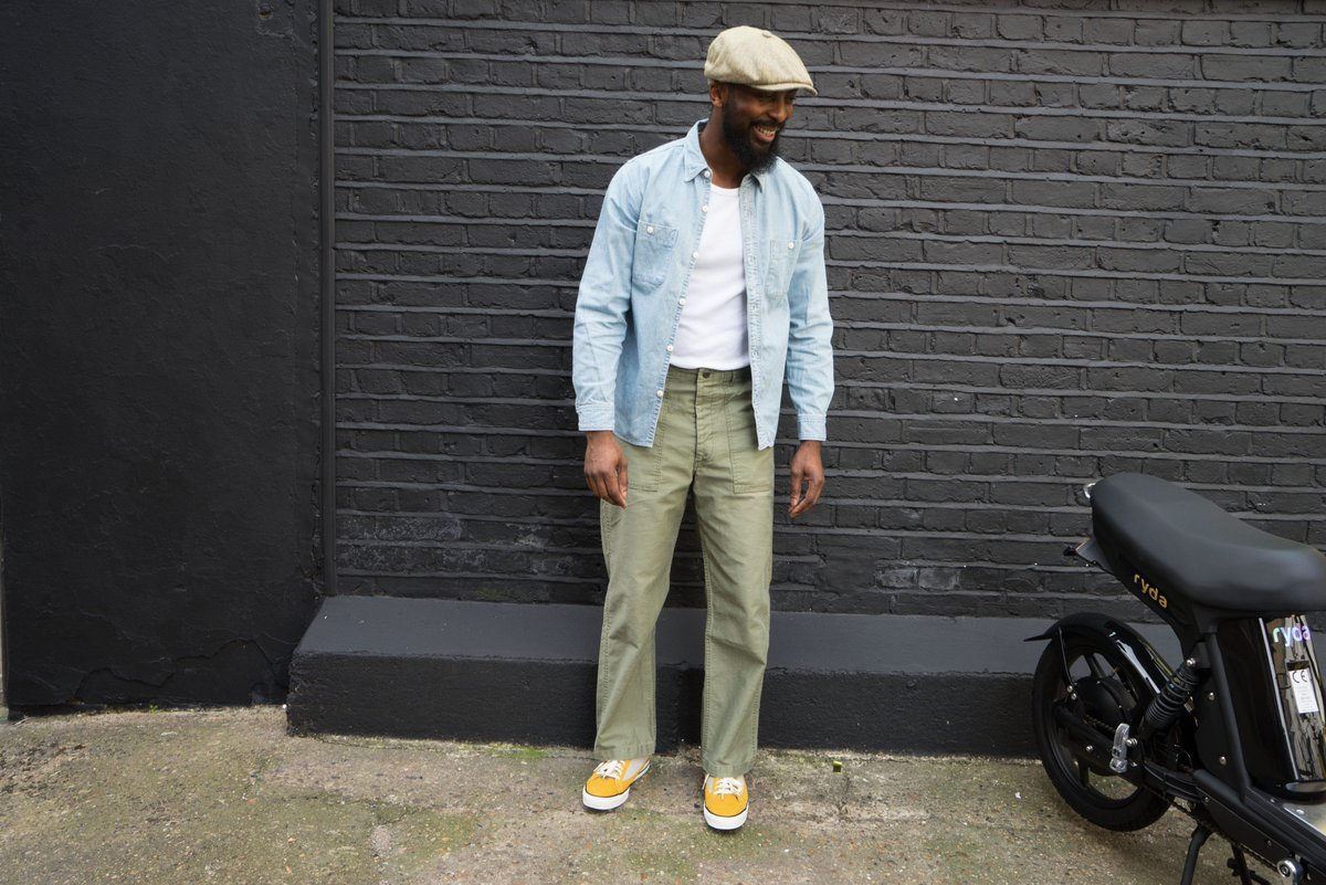 4106b7924ae0c Daniel is wearing a Stetson Hatteras Cap in green brown herringbone Silk.  Matched with FullCount 1217 loose fitting utility trousers. Merz b Schwanen  215 ...