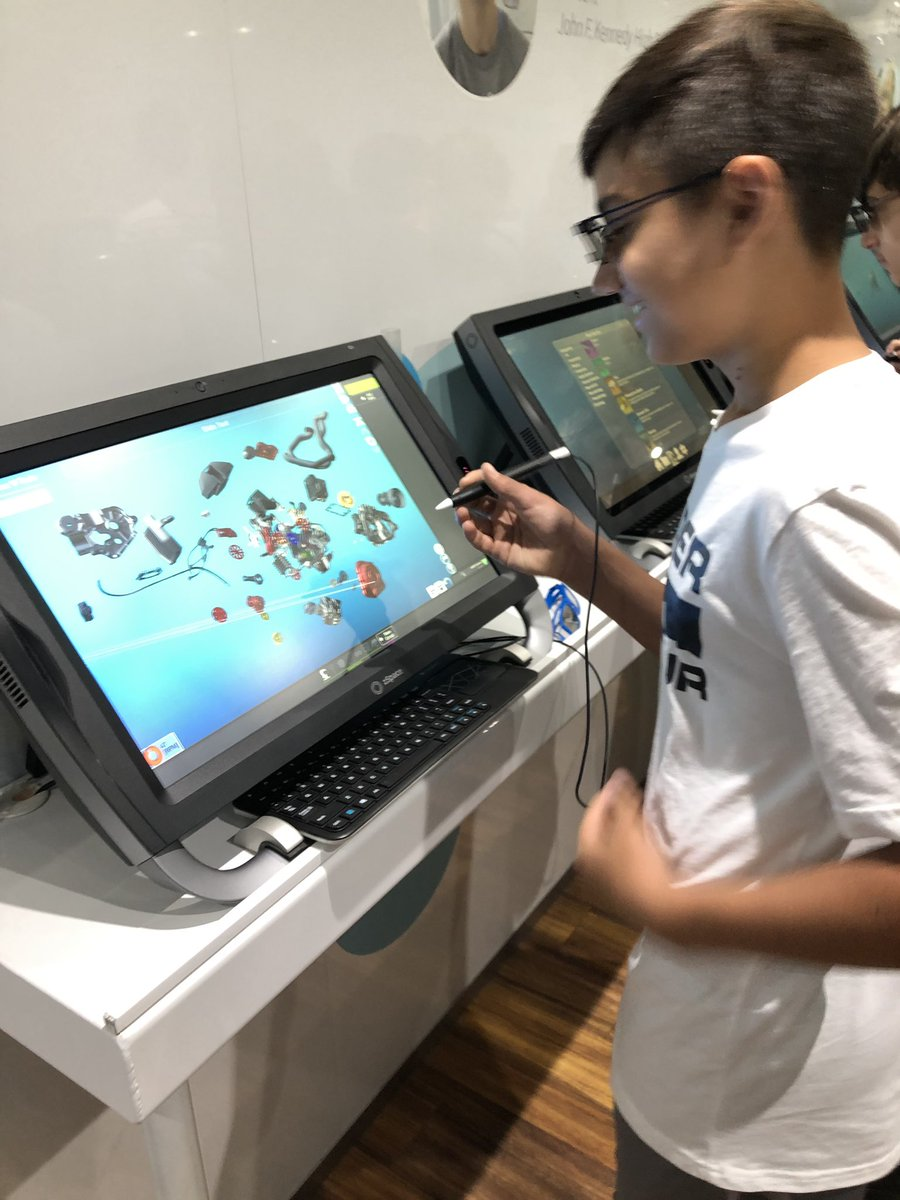 c05bb7604886 Had a great day immersing students in virtual reality lessons yesterday at  Verona Public Schools!  Verona  EdTech  VirtualReality  studentsfirst   newjersey ...