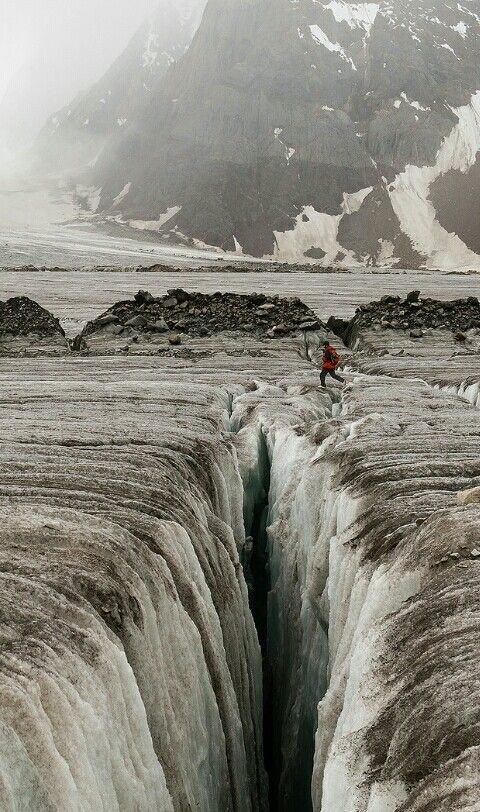 #Biafo #glacier is a 67 KM long is longest outside #Polar region. Average altitude of 17000 ft and meets with Hisper Glacier 49 Km ling #Karakoram #Pakistan #visitpakistan #GilgitBaltistan #tourism #BRF2019