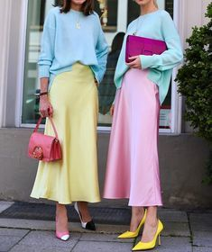 Happy Easter to all of our lovely followers from around the world! | Photo by nettiweber #pasteloutfits #slipskirts #satinskirts #pinkskirts #colourfuloutfits #colorfuloutfits #feminineoutfitspic.twitter.com/Noyni2a03X