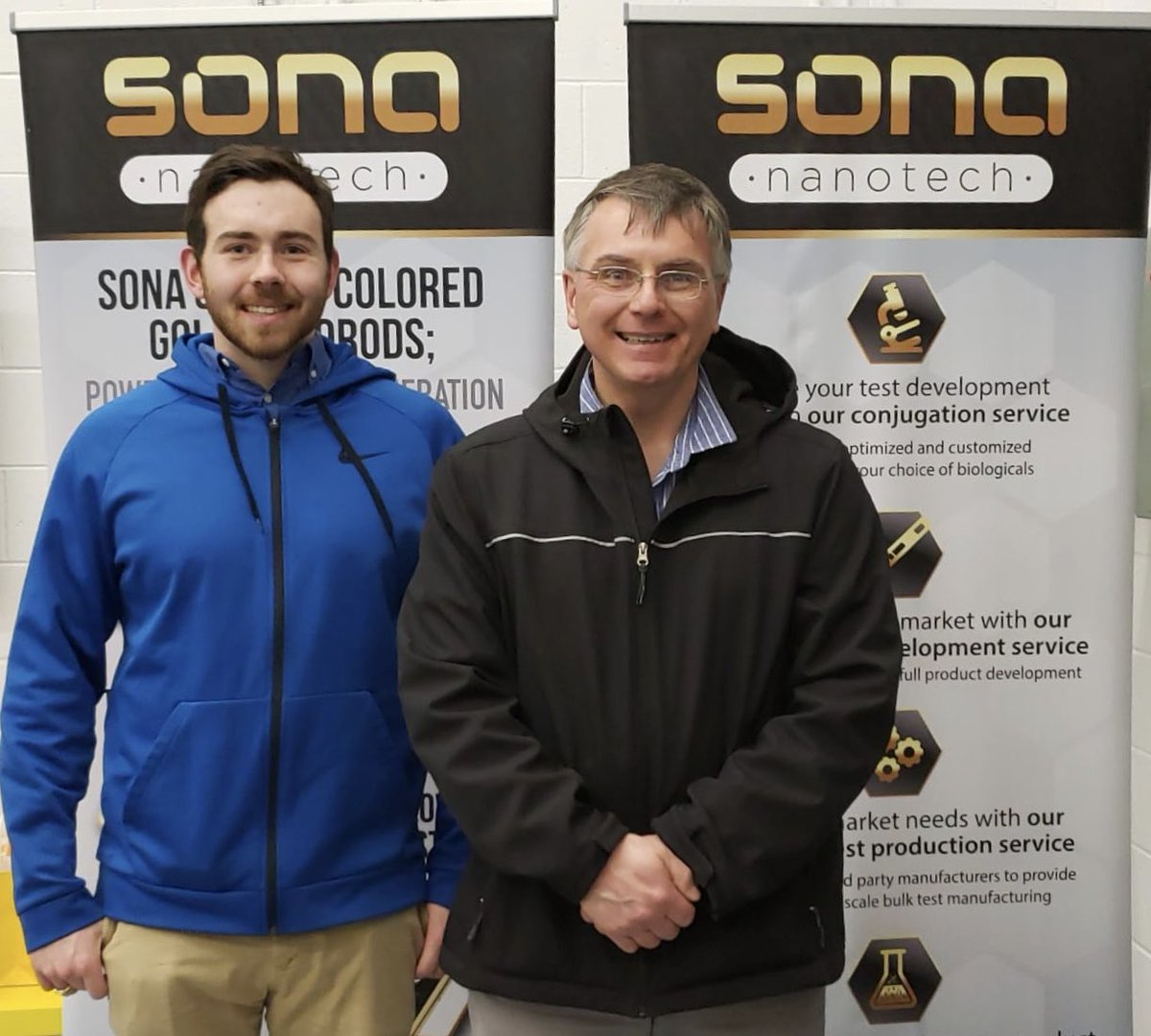 It was lovely to welcome one of Sona's original co-founders, professor Gerrard Marangoni (@gmsprezman, right), to our new lab @innovacorp yesterday with his son Matt. The pair were very impressed with our facilities. #laboratory #science #diagnostics https://t.co/hUqscSjLze