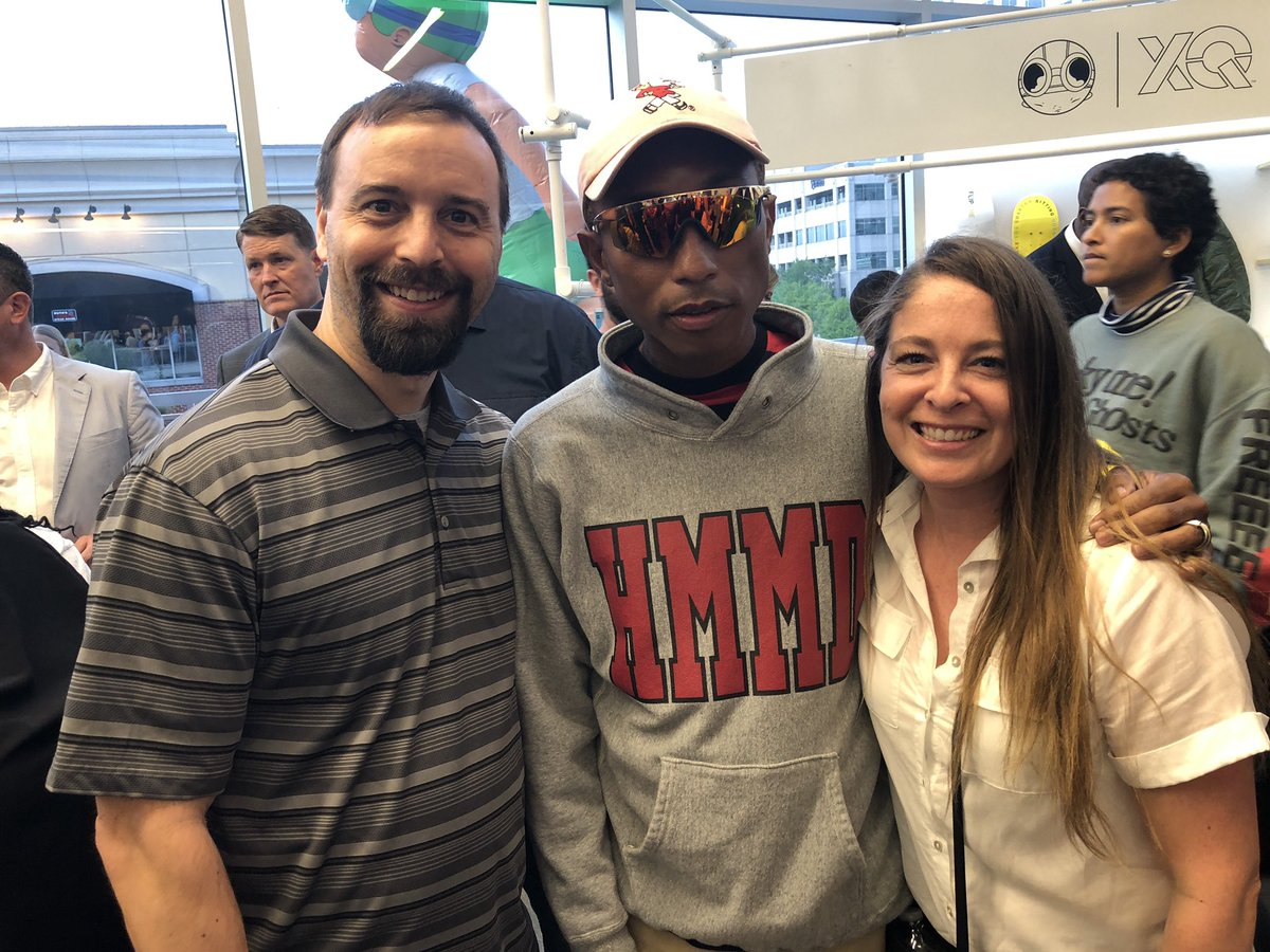 Had the privilege of meeting @Pharrell  at #XQLIVE last night. Heard amazing stories from student poets and teachers. I left insipired and enlightened.   @XQAmerica @JWalshLitCoach @BowserTennille @LynnhavenMiddle @LynnhavenKramer @beachteachwnuk @cwhinsch @vbschools