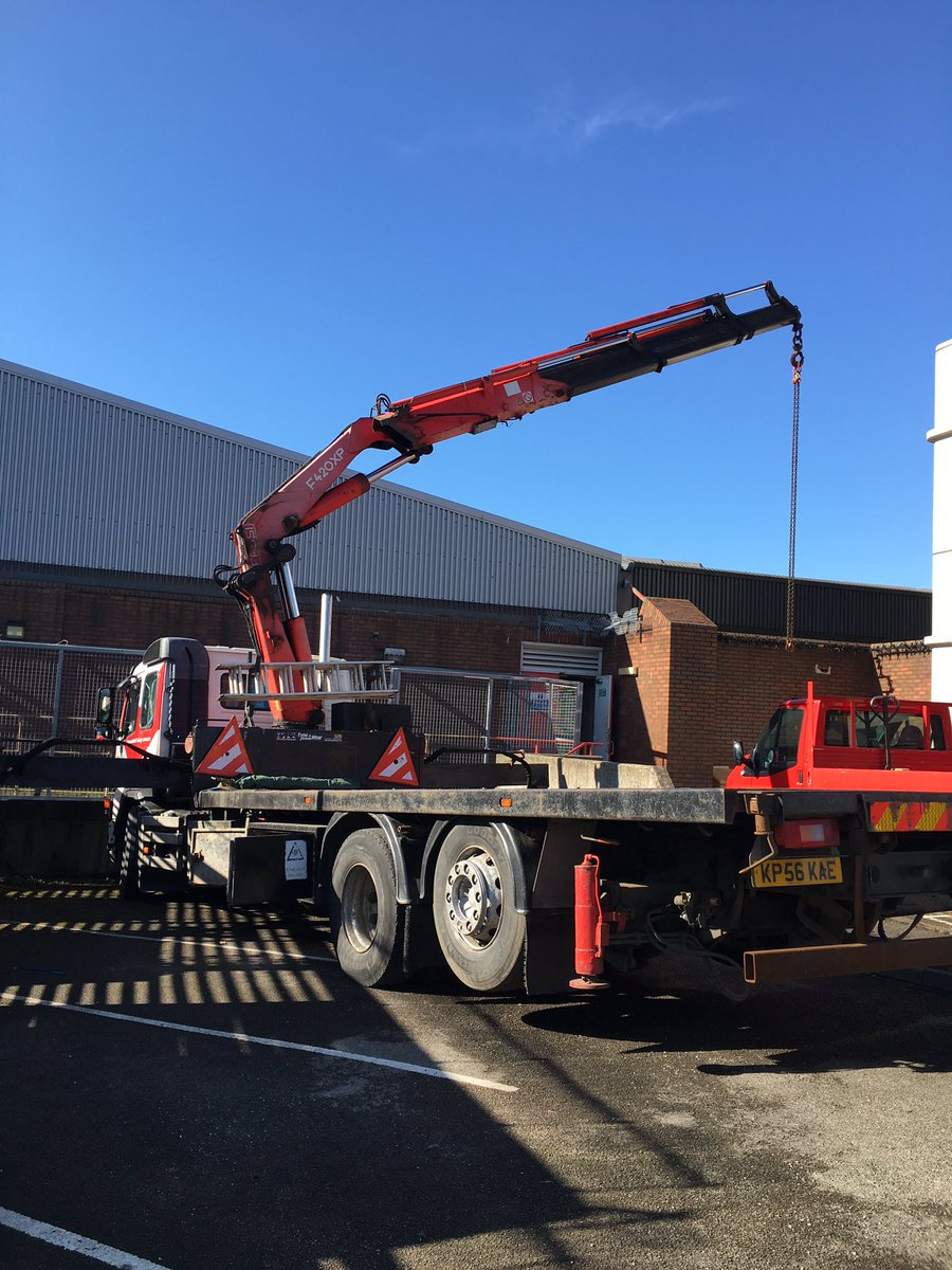 Great Day For Team Bellwood Today A 500kva Fg Wilson Generator Safely Removed From Data Centre Relocation Thanks To Cectransportltd The Support