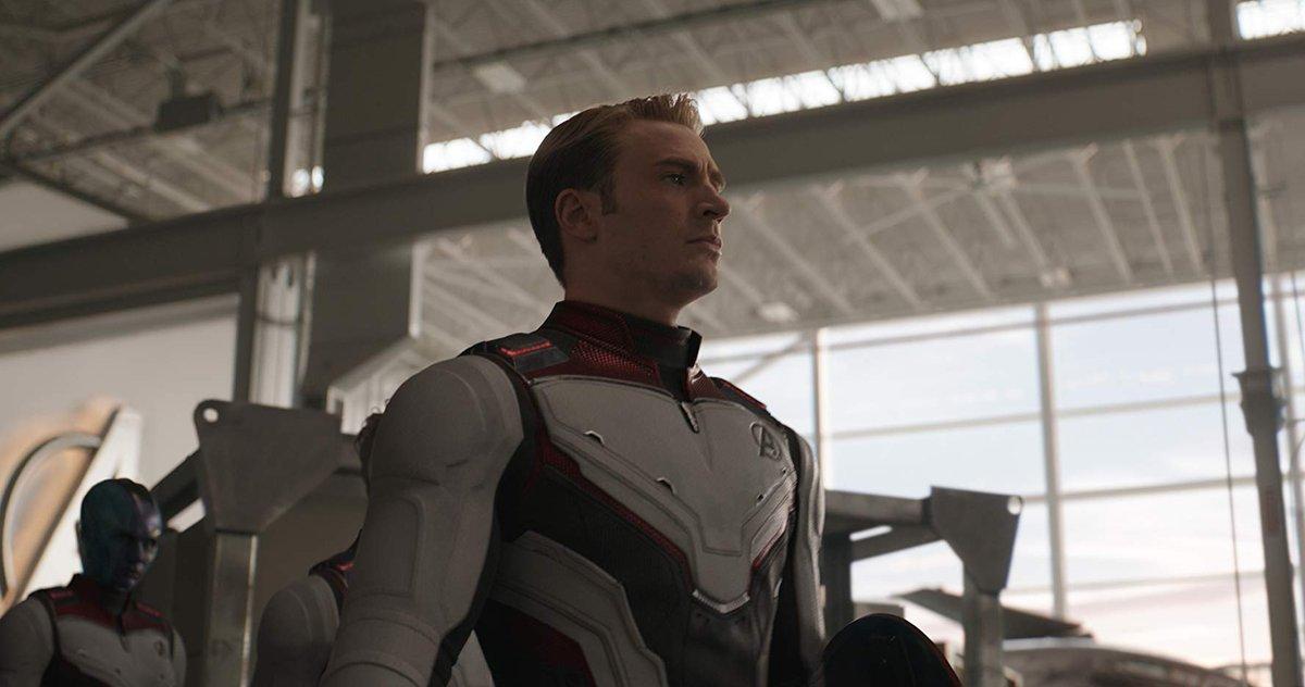"""Após Vingadores: Ultimato, Irmãos Russo afirmam que não devem dirigir novos filmes da Marvel por um tempo : """"Também é o nosso Ultimato, por enquanto"""" http://bit.ly/2DBJW27"""
