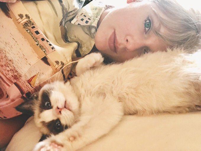 "Taylor Swift Brasil on Twitter: ""Conheçam Benjamin Button ..."