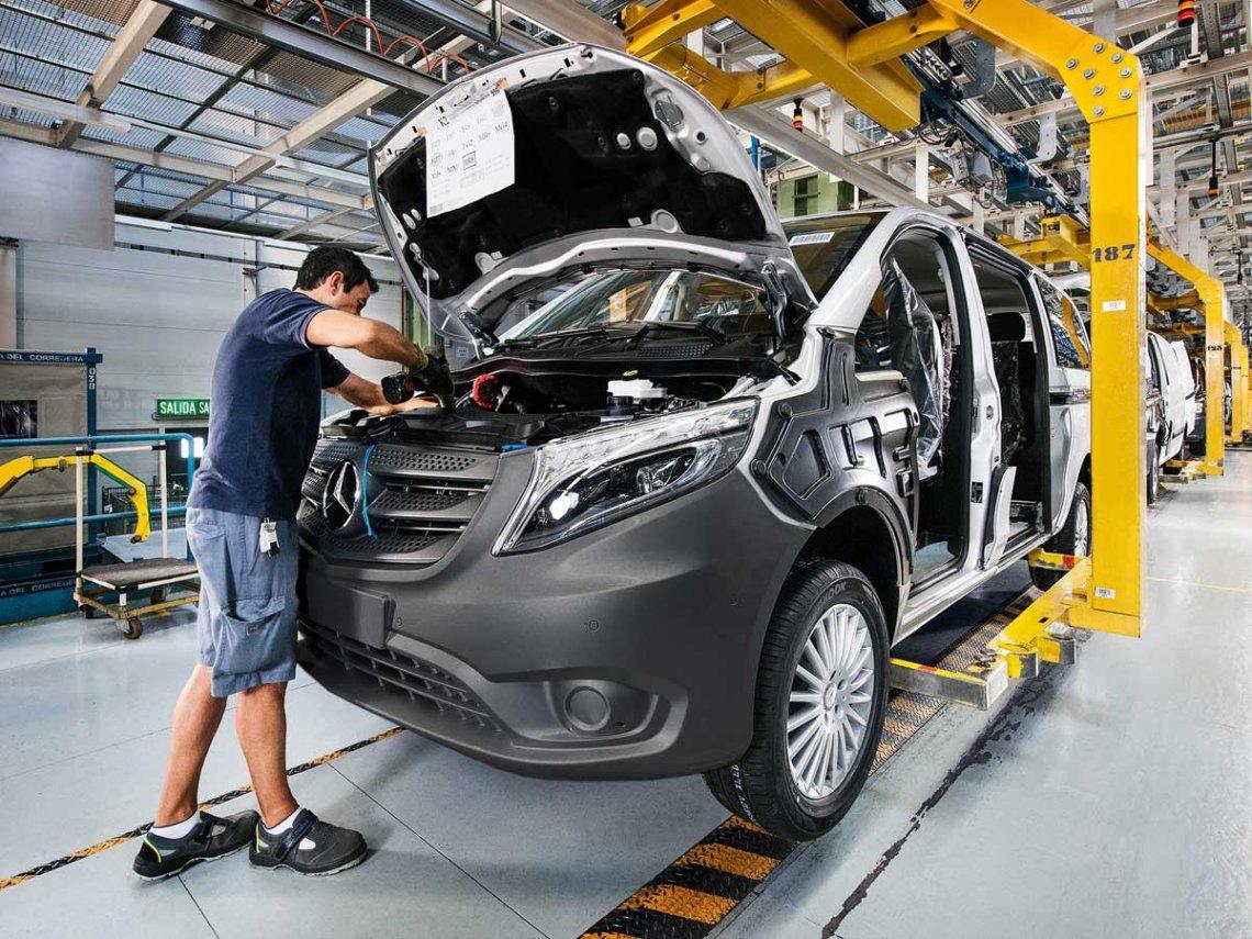 Por la crisis, Mercedes-Benz canceló la fabricación su pickup en Argentina