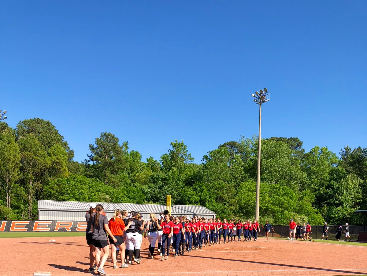 4c87be447 Hoover Softball Classic HHS beat Homewood #HooverPride #GoBucs pic.twitter.com/fKjY7dygrK  – at Hoover High School Softball Field