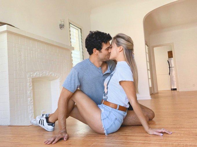 Joe Amabile & Kendall Long - Bachelorette 15 - DWTS - Discussion  - Page 16 D5HQhy9VUAAZmA7