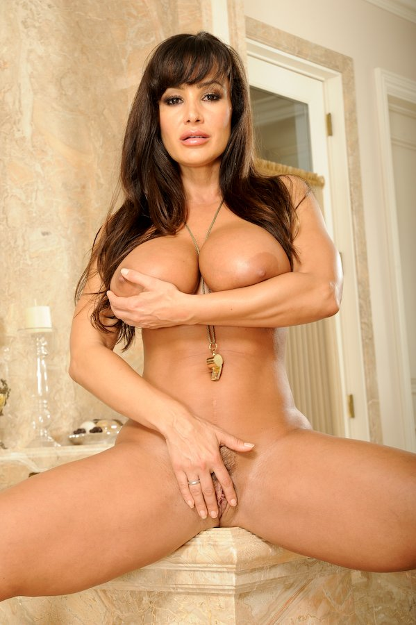pusy-lisa-ann-nude-on-the-beach-latino-male