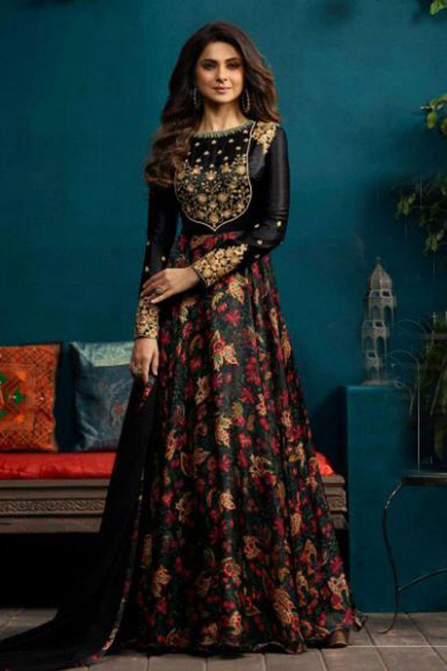 d9670f91013 ... Embroidered Designer #Plazzo #Salwar Suit With Chiffon #Dupatta  https://www.kankuchokha.com/bollywood-actresses-suits  …pic.twitter.com/UPSJvau5Ty