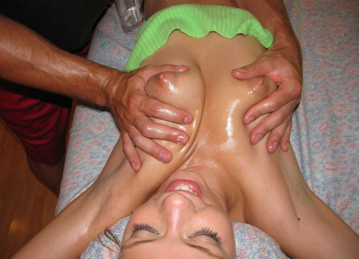 Муж привел жену на массаж груди порно