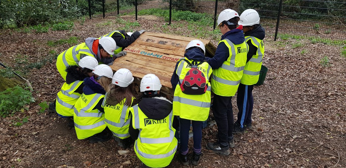 Thanks to @kierconstruct for accommodating our first student visit to the site to create a bug hotel. https://t.co/RCf9DPM1tO
