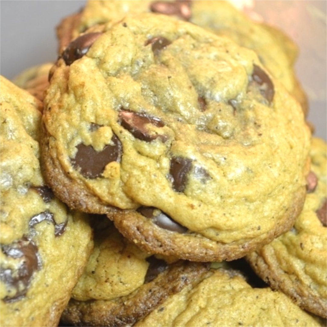 CHEF 420s own Medicated Chocolate Chip Cookies, A great low sugar, tasty alternative to those high sugar ones, I bet you can't tell them apart .    https://bit.ly/2ELf1T2      #Chef420 #Edibles #CookingWithCannabis #CannabisChef #CannabisRecipes #Happy420 #420Eve #420day