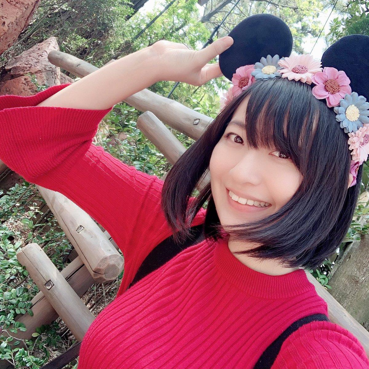 """上田瞳 در توییتر """"ちなみに耳はみんなでお揃いにしました笑 頭に花が ..."""