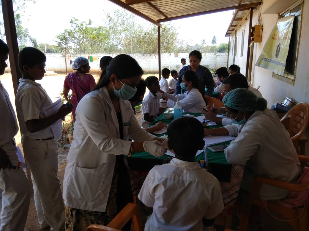 In low income schools in #Karnataka state, #India - Led by a Team of Dentists 👍 cc : @tcfindia project : https://www.facebook.com/publichealthdentistry/posts/2175310929191053…   #publichealthdentistry #sdgs #Dentistry #India #MPH #DPH #Impact