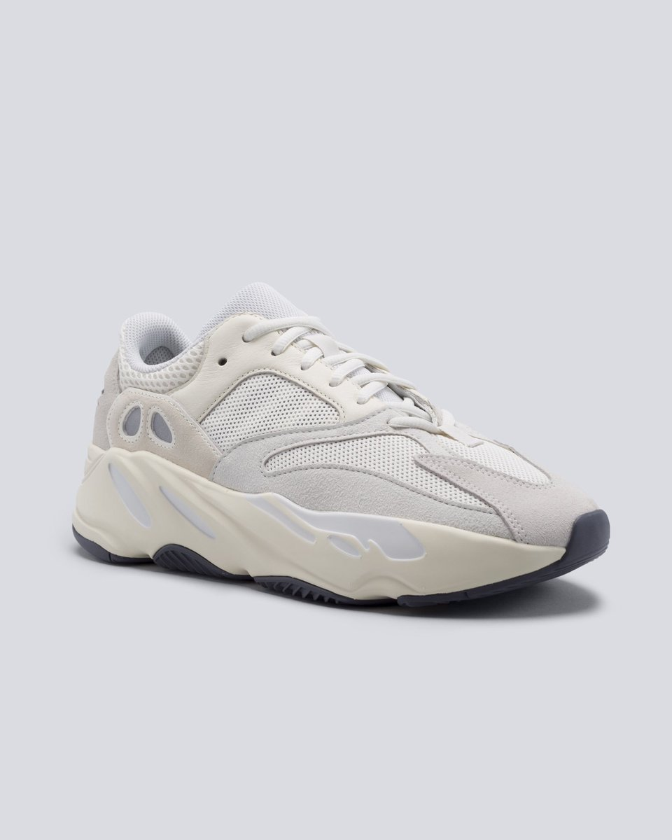 d8b8207c7a2 StockX Sneakers ( StockXSneakers)
