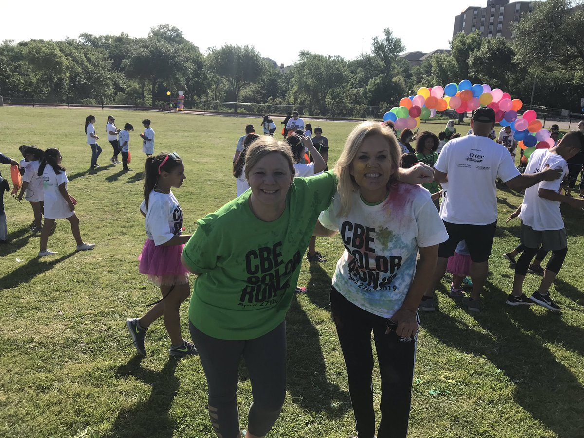 @CBEBears @roxxy_griffin @IamBranum @3jstone Dynamic Duo at the Color Run 🏃‍♀️ Thanks for your support!