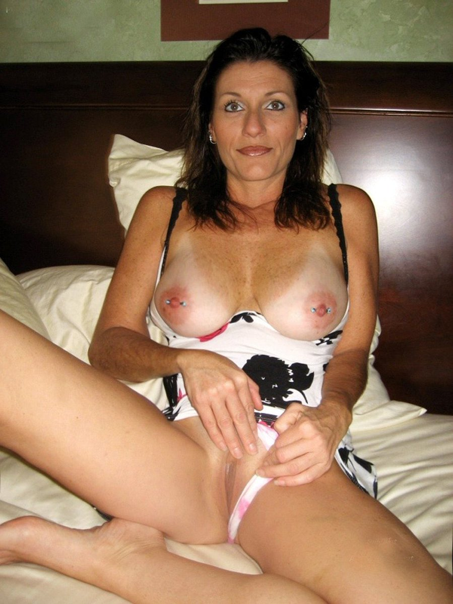 Hot housewife gallery