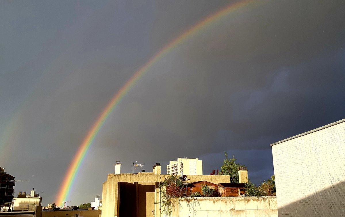 #angrysky but #beautifulrainbow 🌈