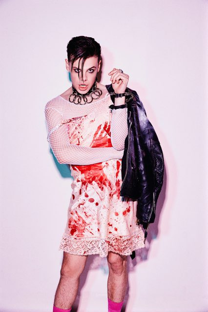 """YUNGBLUD's on mars on Twitter: """"wear what you want , think how u like , if  they try and place boundaries upon you tell em to trip on a fookin knife ..."""