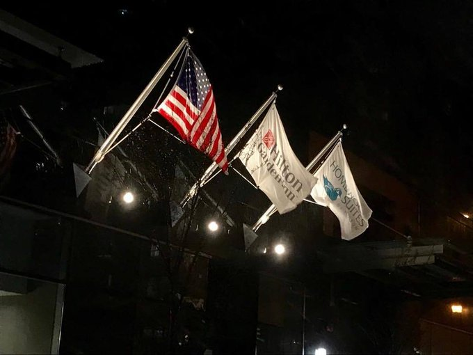 New #Flagpoles @Chicago #1101Wabash #Outriggers 10' Clear Anodized New #HiltonGardenInn New #HomewoodSuites https://t.co/NL5DFnBpnt https://t.co/ZALVBxTwwC