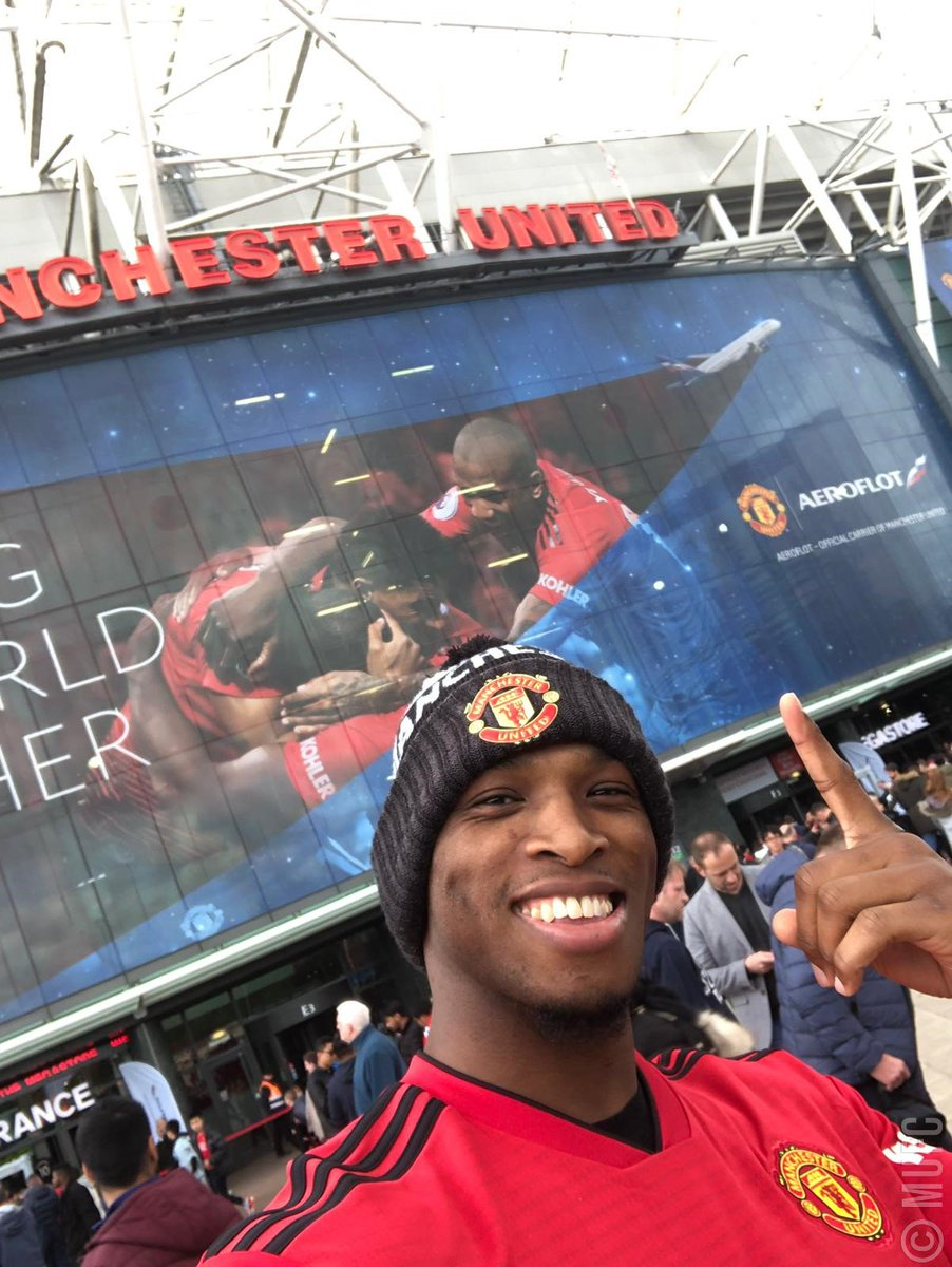 Great to have MMA fighter and HUGE United fan @Michaelpage247 with us for todays game! 💪 #MUFC #MUNCHE