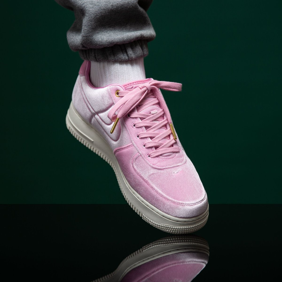 sale retailer a8a69 ae006 On  sale 💥💥 Nike Air Force 1  07 Premium 3 - Pink Rise