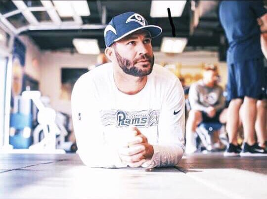 Happy Birthday to our main guy #BlakeBortles! Here's to a year of new beginnings, experiences and endless success! #BB5 https://t.co/XBww1zPcfO