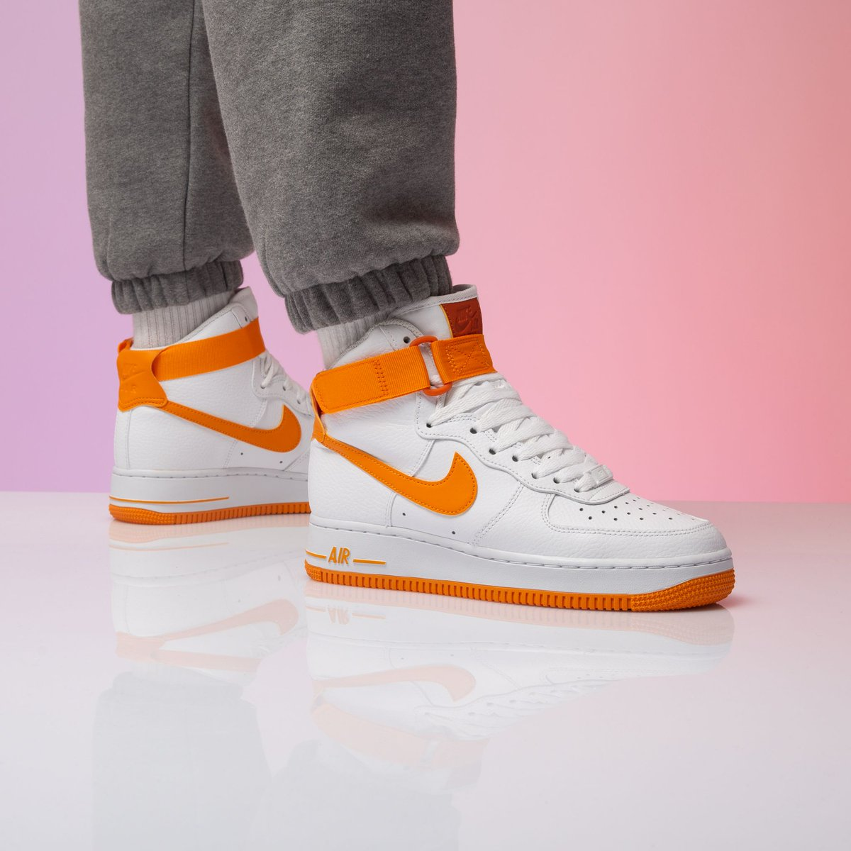 stay fly with these Nike Wmns AF1